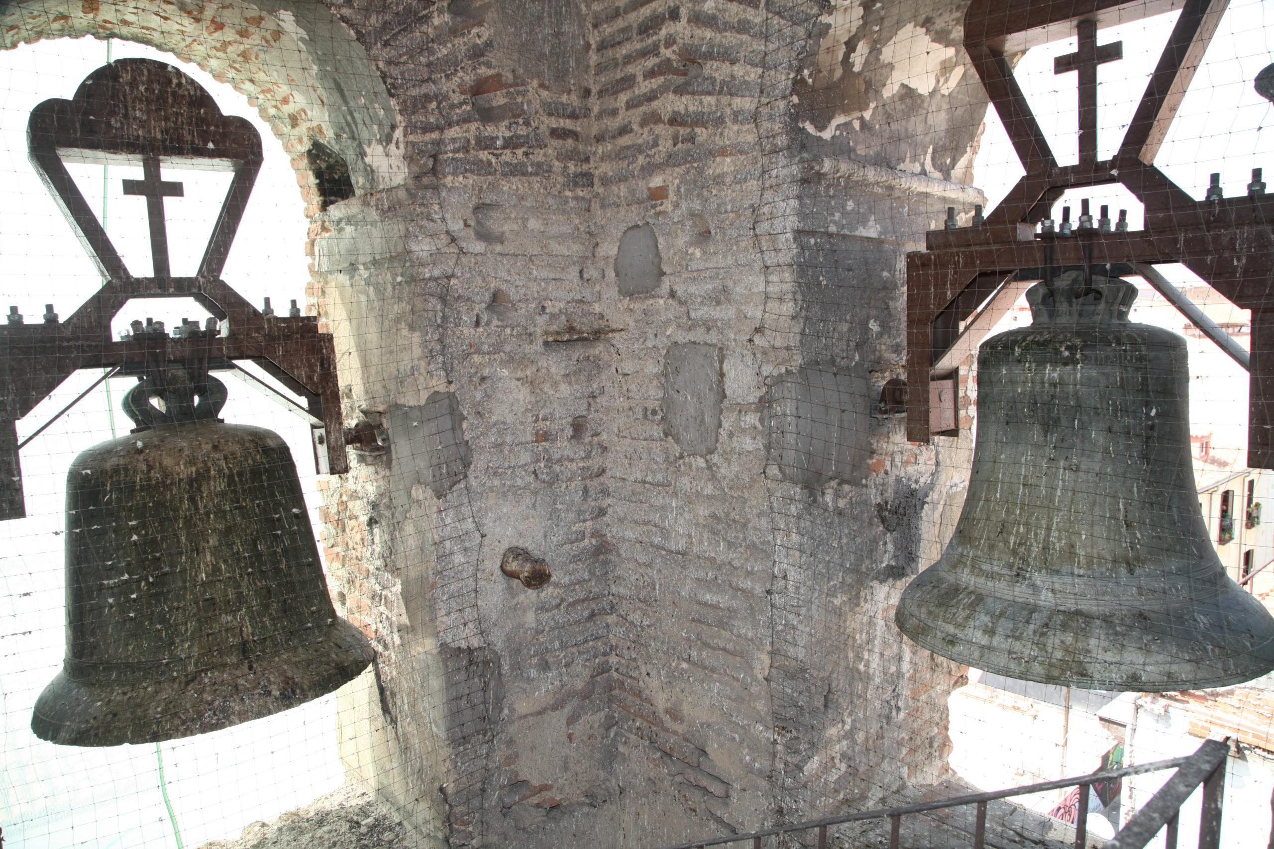 detalle-campanas-antes-de-la-restauracion-IMG_2908